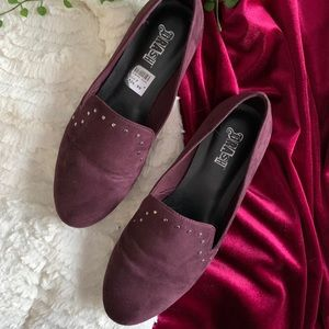 Adorable Burgundy studded loafers